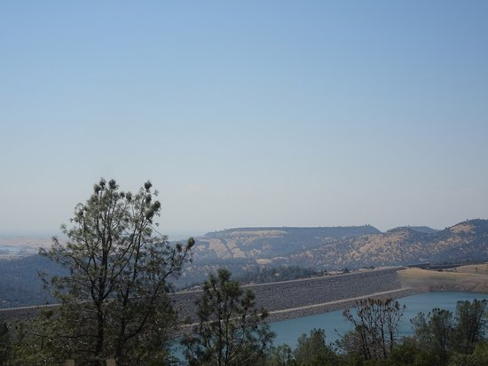 Oroville Dam, looking North from the observation deck