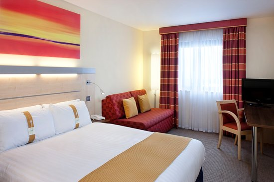 Holiday Inn Express - Aberdeen Exhibition: Double Bed Guest Room at Holiday Inn Express - AECC