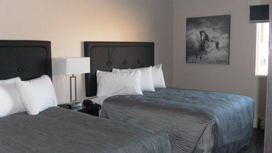 Ponoka, Canadá: Queen Beds
