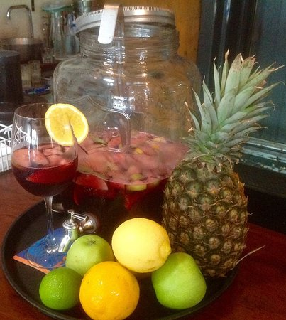 The Old Bank Cafe: Sangria