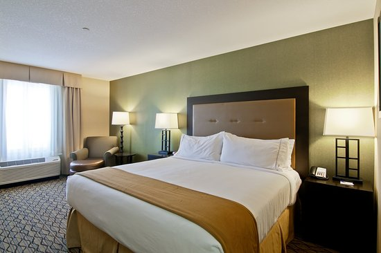 Fort Saskatchewan, Canada : King Bed Guest Room