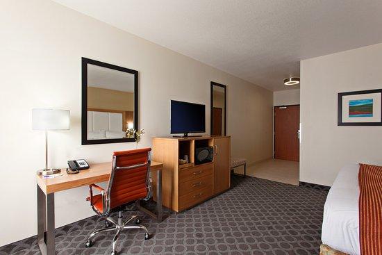 Holiday Inn Express North Hollywood - Burbank Area ...