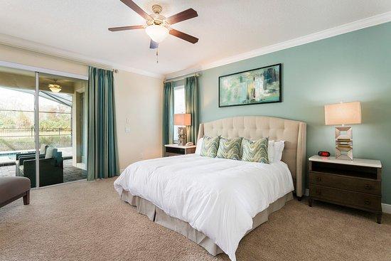 Middleburg, VA: Reunion Resort Master Bed