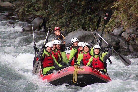 Turangi, Nueva Zelanda: our group enjoying the ride!