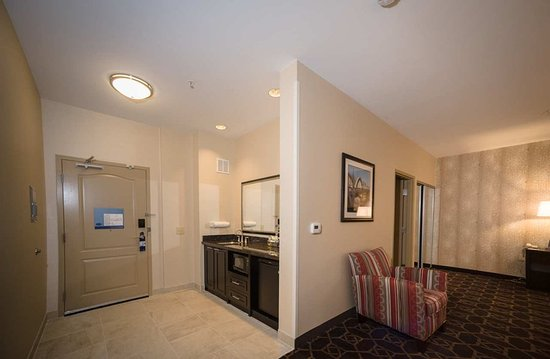 Fort Morgan, CO: Suite Wet Bar