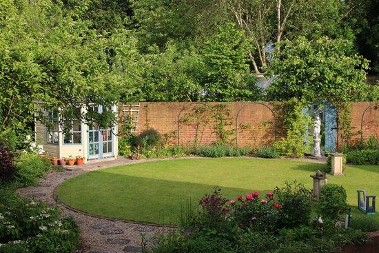 Boroughbridge, UK: Le joli jardin de Jan