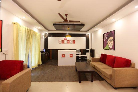 OYO Flagship Noida City Centre