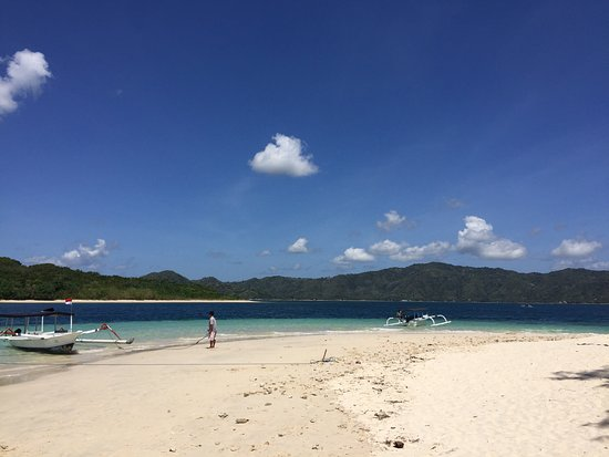 Desa Sekotong Barat, Indonesien: Perfect place for swimming and snorkling. Very recommended when you visit Lombok. So beautiful i