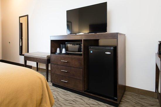 Aiken, Carolina del Sur: King Bed Guest Room Bed and HDTV