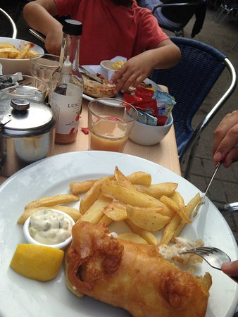 Budleigh Salterton, UK: Fish n chips