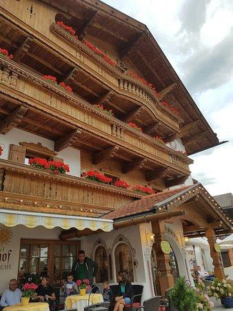 Hotel Sonnenhof - St Vigil in Enneberg, Dolomiten: 20160814_190453_large.jpg