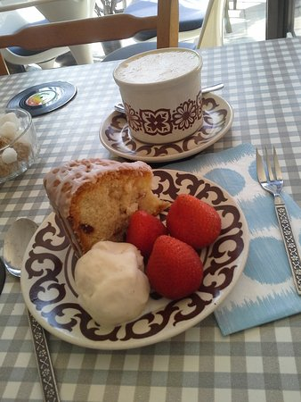 Kent, UK: Homemade Cake