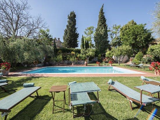Casolare di Libbiano: Garden & pool