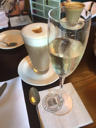 Townhouse Hotel Manchester: Nice Little Prosecco & Latte