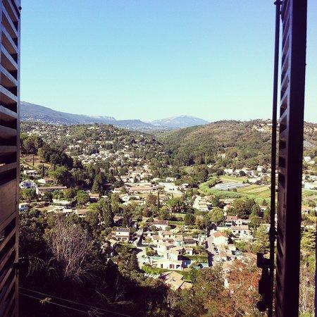 Auribeau-sur-Siagne, Fransa: Il panorama dalla nostra camera! Favoloso!