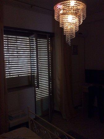 Prossedi, Italia: la poca luce è quella che arriva dall'esterno