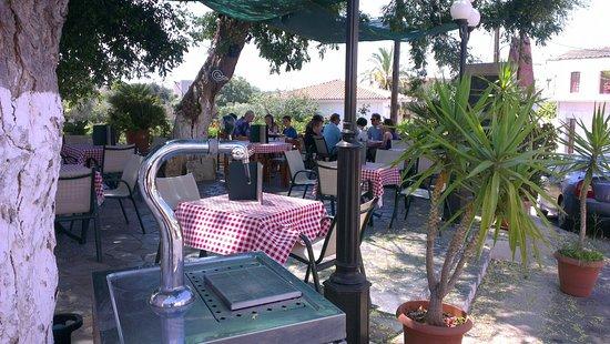 Prines, Grèce : Giannikos Taverna
