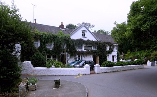 Saint Saviour, UK: Auberge Du Val, tucked a way on a quiet road in St Saviours.