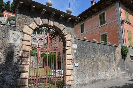 Toscolano-Maderno, Italia: Palazzo Bulgheroni Tor