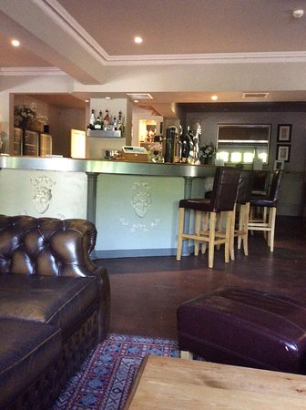 Little Bourton, UK: Bar lounge arew