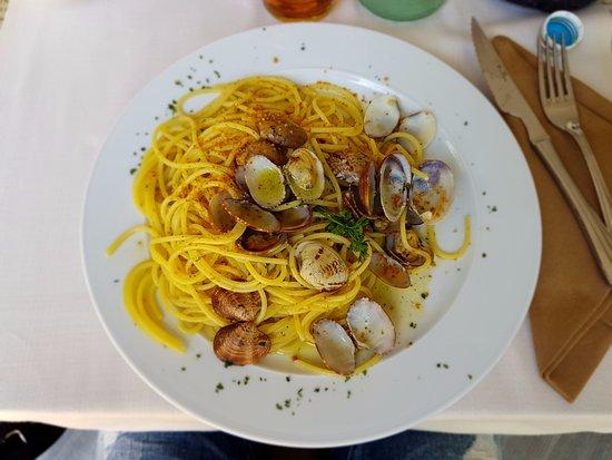 Pizzeria Victoria Grill: Spaghetti di Gragnano con vongole e bottarga