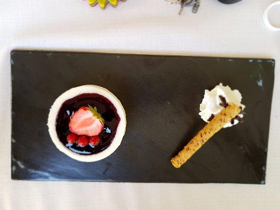 Pizzeria Victoria Grill: Cheesecake alla frutta
