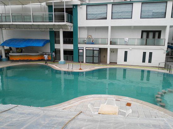 The Swimming Pool Picture Of Hotel Miramar Daman Tripadvisor