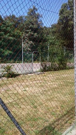 Ury, Francia: espace abandonné ???