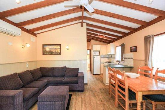 Kerang, Austrália: Family cabin interior