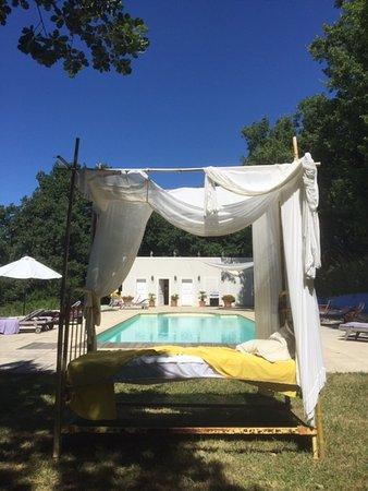 Saint-Lager-Bressac, France: Comment résister à une petite sieste!