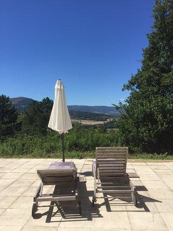 Saint-Lager-Bressac, France: La vue imprenable sur les Monts d'Ardèche...