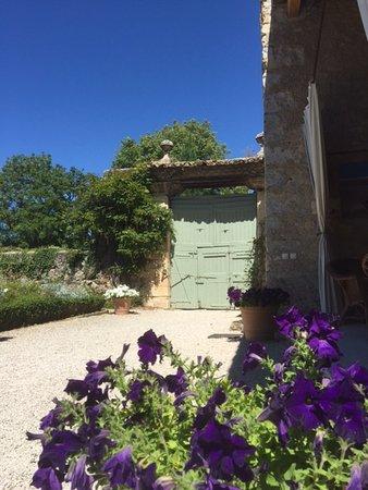 Saint-Lager-Bressac, France: L'entrée du paradis ....