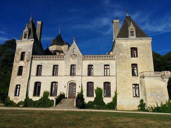 Chateau de Ternay: Vue du château de Ternay.