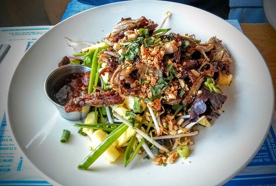 St. Peter, UK: Crispy Asian Duck Salad (je crois)