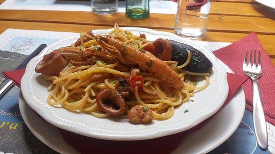 Krnica, Croácia: spaghettis