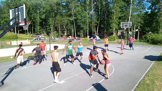 Delaware Water Gap / Pocono Mountain KOA: Basketball Anyone?