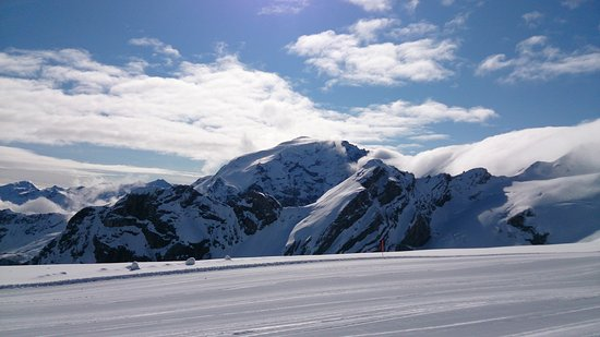 Hotel Quarto Pirovano: Piste da sci