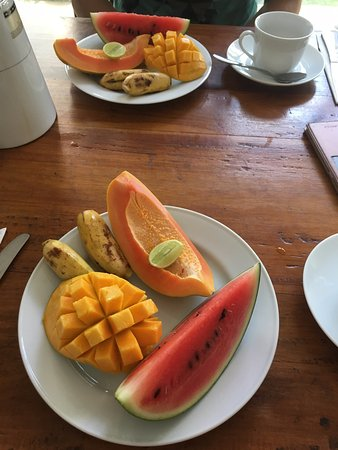 Mirissa Beach Inn : fruits for breakfast