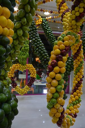 decoration made of fruit - Photo de Juice World, Dubaï - TripAdvisor