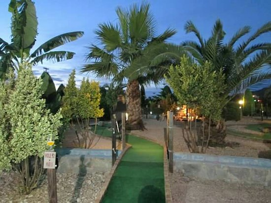Kalamaki Crazy Golf : View of the courses