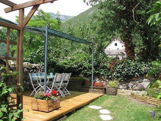 Campan, Fransa: le jardin
