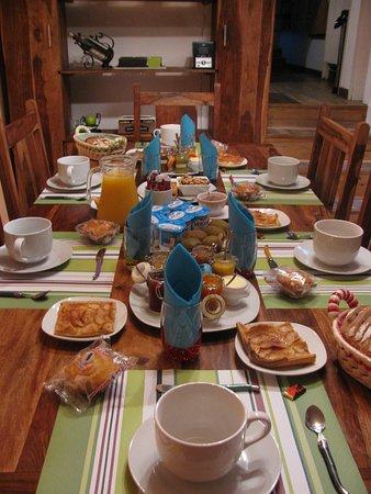 Campan, Fransa: le petit déjeuner