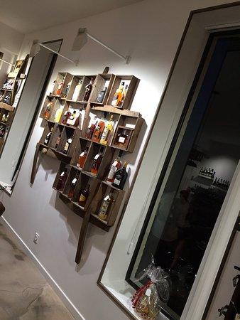 Jambons 10 vins: Intérieur Jambon 10 vins , superbement décoré