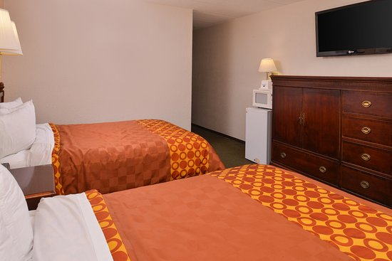 Clearwater, MN: Two Double Beds