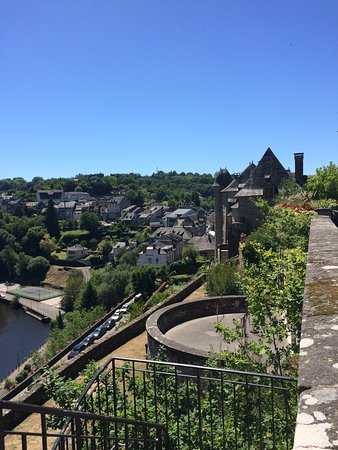 Uzerche, Frankrike: View from ramparts