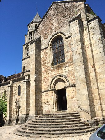 Uzerche, Frankrike: The church itself