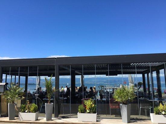 Margencel, Francia: レストラン外観