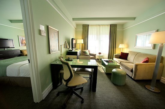 Hotel Beacon: One-bedroom Suite