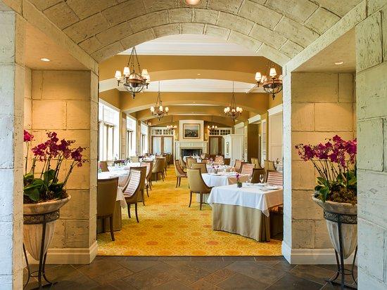 The Winery Restaurant at Peller Estates: Peller Estates Winery dining room