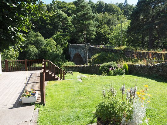 Whitfield, UK: Gardens